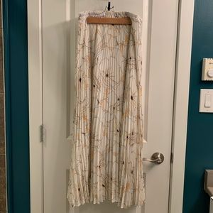 Club Monaco pleated floral maxi skirt